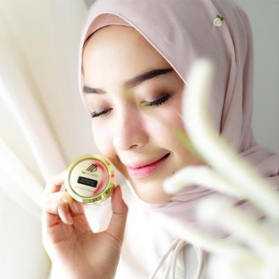 4. Cantik & Pintar Make up