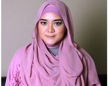 Ladies, Inilah Tutorial Hijab Pashmina yang Cocok Banget untuk Hijabers Bertubuh Gemuk