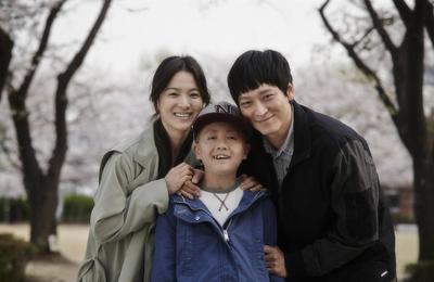 Ini Deretan Film Korea yang Diperankan Si Ganteng Kang Dong Woon, Cek Yuk!