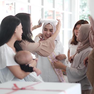 Seru Banget! Intip Inspirasi Acara Bridal Shower Para Selebgram Hijabers yang Bisa Kamu Contek
