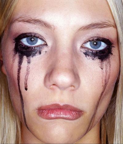 Pernah Dialami Selebriti Hollywood, Ini Dia 5 Kesalahan Make Up yang Paling Memalukan!