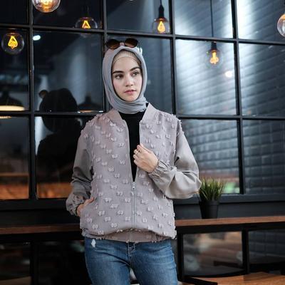 Tak Hanya Hijabnya yang Hits, Model Atasan Bahan Rubiah Ini Kini Jadi Favorit Para Hijabers!