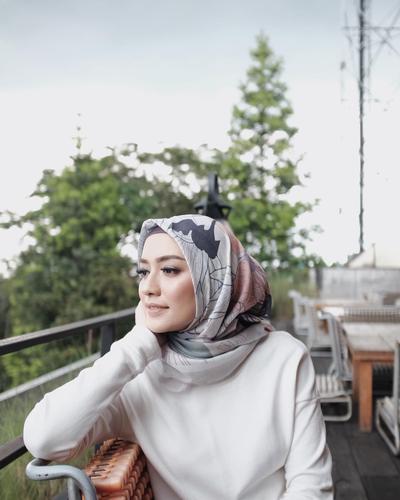 Begini Cara Selebgram Memadupadankan Hijab Voal Supaya Gayanya Terlihat Lebih Kekinian!