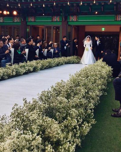 Tak Perlu Mahal untuk Terlihat Mewah, Ini Tips Pernikahan Hemat Budget Ala Song Song Couple!