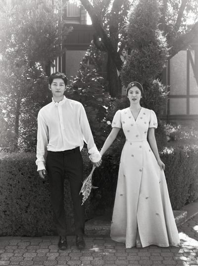 Pernah Menolak Tawaran 180 M untuk Live Streaming, Ini Fakta Lain di Pernikahan Song-Song Couple