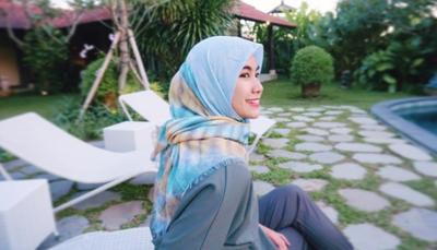 Kulit Lengket Keringetan Saat Pakai Hijab? Yuk, Atasi Dengan Cara Ini!