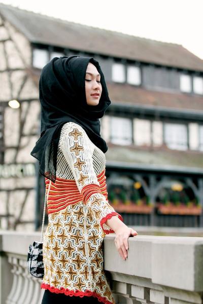 Hijab  Tumpuk