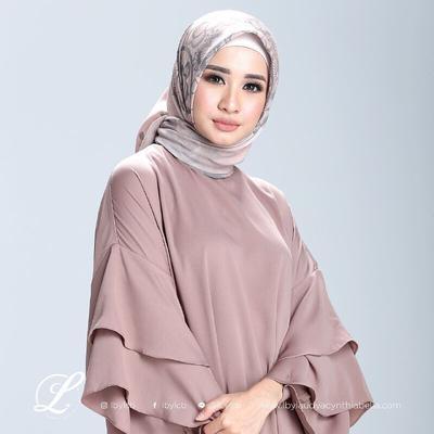 Ini Macam-macam Cara Selebriti Indonesia Memakai Hijab Voal yang Lagi Laris Banget!