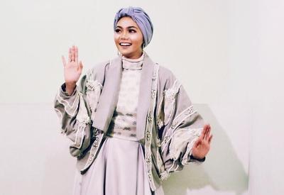 Foto-Foto Ini Memperlihatkan Kegundahan Hati Rina Nose Tentang Hijab Sebelum Akhirnya Melepasnya