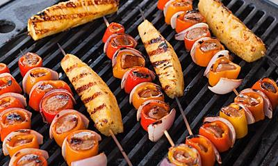 Mau Tahu Cara Bikin Sosis Bakar Paprika yang Pedasnya Sampai Menusuk ke Lidah? Ini Resepnya!