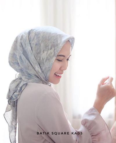 Ladies, Ini Dia Rekomendasi Online Shop Fashion Hijab Instagram yang Perlu Kamu Tahu