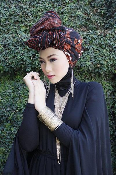 Headband atau Turban