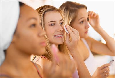 Kenapa Sih Kita Harus Menggunakan Skincare Pagi dan Malam?