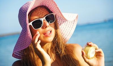 Kesalahan Penggunaan Sunscreen Paling Umum yang Masih Banyak Dilakukan Wanita