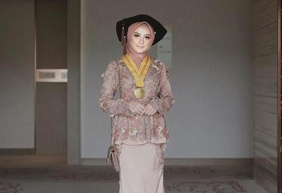 Intip Inspirasi Kebaya Wisuda Ala Selebgram Hijab yang Selalu Jadi Panutan Para Hijabers Ini