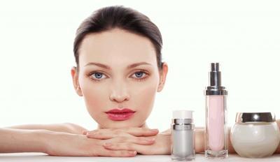 Hindari Penggunaan Kosmetik Berat
