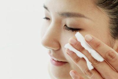 Gunakan Milk Cleanser untuk Cuci Muka