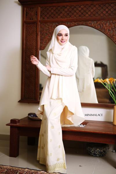 Inspirasi Gaya Hijab Syar'i Dengan Kebaya