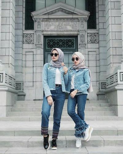 Padu Padan Jaket Jeans dan Hijab Ala Selebgram Hijabers Berikut Ini, Siap Bikin Kamu Makin Fashionable!