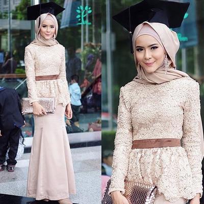 Model Kebaya Hijab Modern Para Selebgram Ini Terlihat Kekinian dan Bisa Jadi Inspirasi Wisuda Kamu