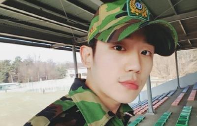4 Selebriti Korea Ini Ternyata Sudah Wajib Militer di Usia 20-an Sebelum Debut! Penasaran?