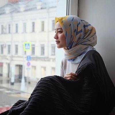Tutorial Hijab Voal Ini Akan Membuat Tampilan Kamu Simpel dan Elegan