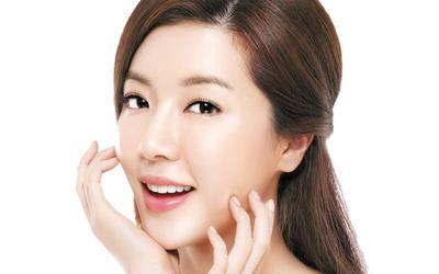 Semua Hal Tentang BB Glow Treatment yang Menjanjikan Bikin Wajah Putih Secara Instan