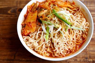 Menikmati Kimchi