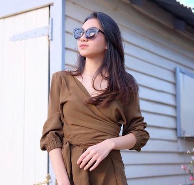 Intip Fashion Style Shakilla Astari, Kakak Shafa Harris yang Gayanya Enggak Kalah Fashionable