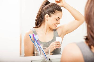 Biar Enggak Hitam dan Alami Iritasi, Begini Cara Memilih Deodoran yang Bagus dan Aman