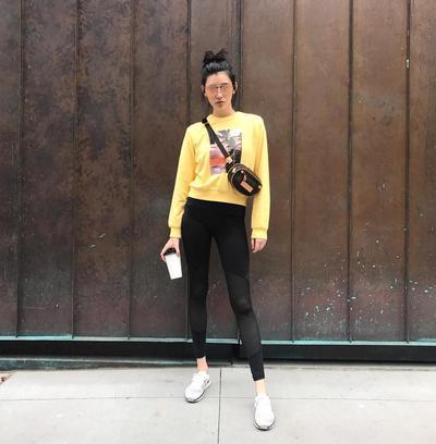 Santai dengan Sweater dan Legging