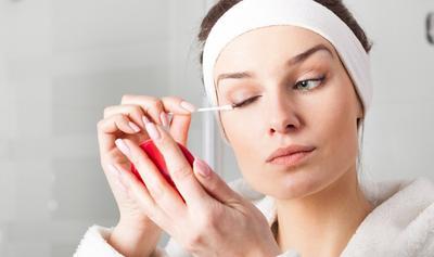 4. Hindari Mengucek atau Menggosok Mata