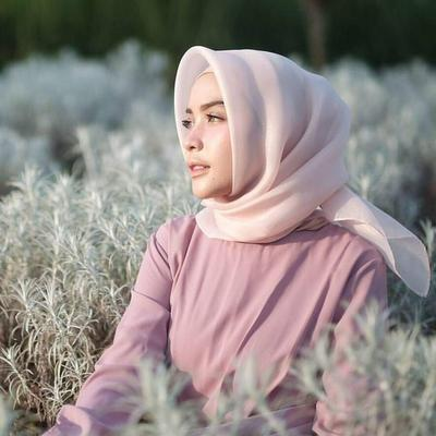 Ladies, Begini Cara Menyetrika Hijab Organza Agar Tak Cepat Rusak