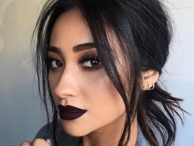 Rekomendasi Merek Lipstick Warna Gelap yang Bisa Kamu Pakai Tanpa Takut Terlihat Seram