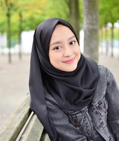 Tetap Cute dan Natural, Gaya Make Up Ini Pas Banget Buat Remaja