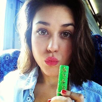 Lipstik Arab Bukan Dibuat di Arab? Simak Fakta Lengkapnya di Sini!