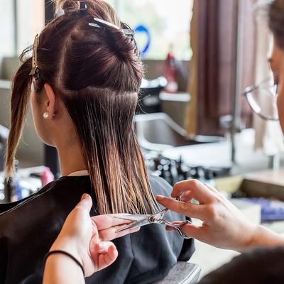 Bahaya Untuk Rambut, Tapi Kesalahan Merawat Rambut Ini Ternyata Masih Sering Dilakukan