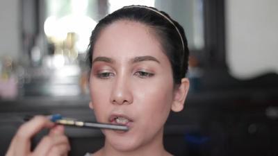 Tutorial 4: Eyeliner