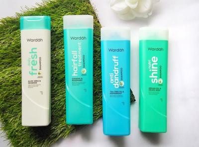 Ladies, 4 Varian Shampoo Dari Wardah Ini Cocok Untuk Berbagai Masalah Rambutmu!