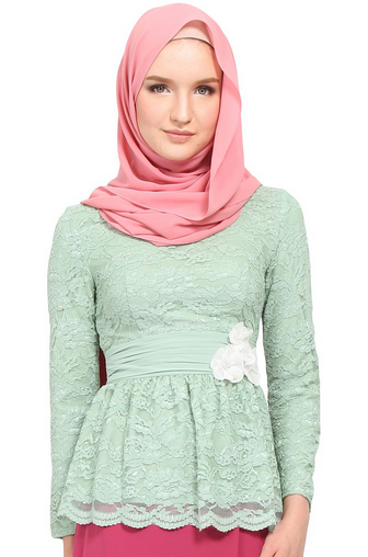 Atasan Hijab Brokat Model Peplum