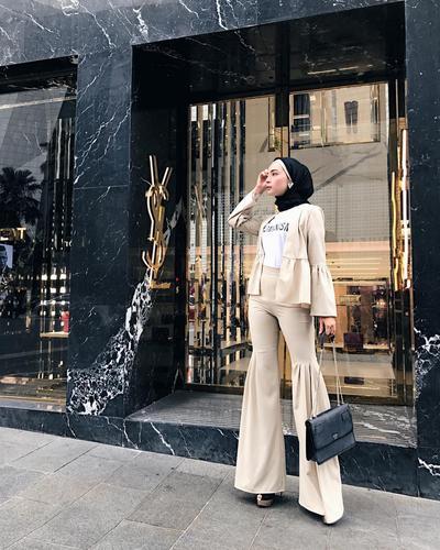 Warna Hijab Hitam