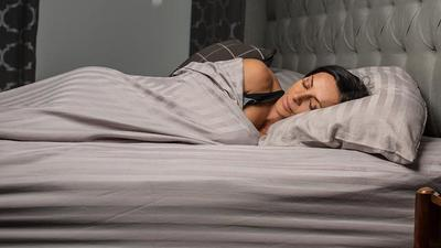 Ladies, Simak Hal Yang Patut Dihindari Sebelum Kamu Tidur Malam!