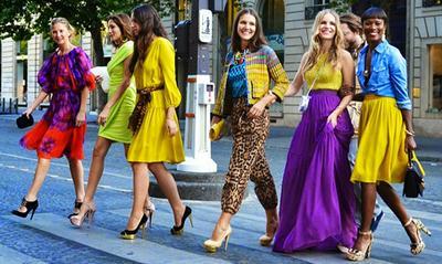 Ladies, Jangan Sampai Kamu Melakukan 4 Kesalahan Berpakaian Ini Ya!