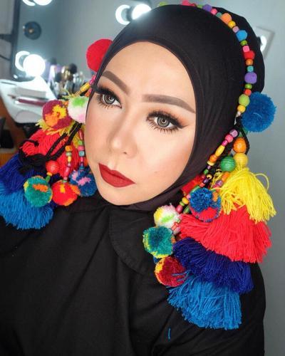 Hijab Style dengan Benang Woll