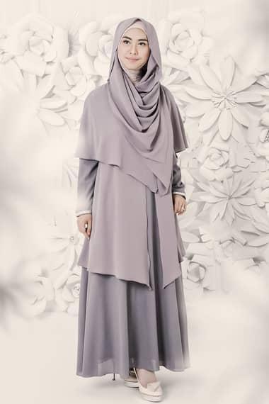 Tidak Selalu Flat Shoes, Ini Dia Padu Padan Hijab Syar'i Dengan Berbagai Sepatu Ala Selebriti!