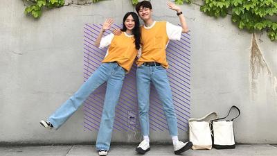 Pakai Baju Couple sama Pasangan, Menurut Kalian Yes or No?