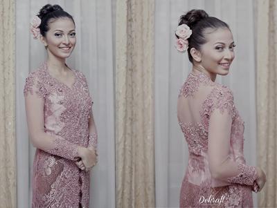 Simak Inspirasi Dress untuk Lamaran, Dari Kebaya hingga 3D Effects!
