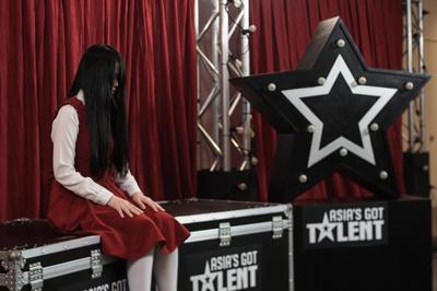 Terkenal Misterius, Ternyata Begini Tampilan Polos Riana Pemenang Asia's Got Talent Zaman Dulu!