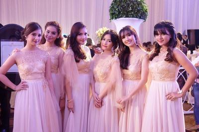Ladies, Inilah 3 Drugstore Foundation Tahan Lama yang Bisa Dipilih Para Bridesmaid!