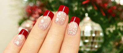 Percantik Kuku Saat Merayakan Natal Dengan Pilihan Warna Nail Polish Terbaik Ini!